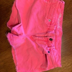 Hit pink madewell jean shorts!